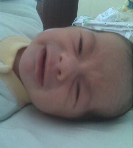 bebé dorme mal de noite